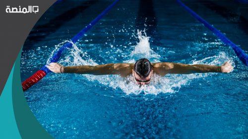 هل السباحة تفطر الصائم